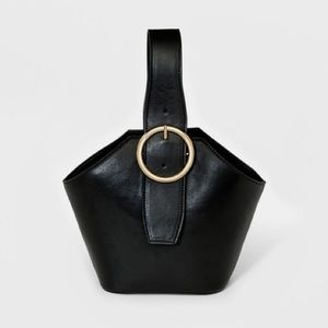 New, single strap, front buckle, tote bag!